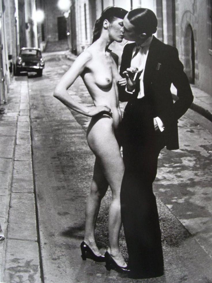 YSL suit/free women/Helmut Newton