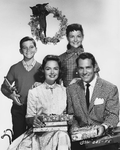 "Donna Reed, Carl Betz, Paul Petersen and Shelley Fabres, ♺ Kathy H ""The Donna Reed Show""-- 1955 Merry Christmas!"