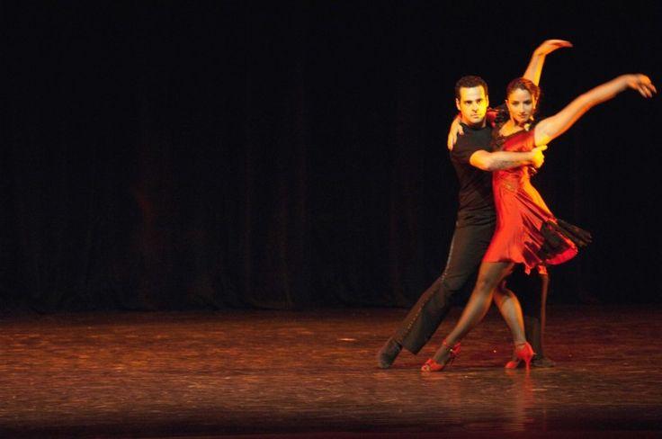 UFBA oferece aulas de dança de salão a preço acessível
