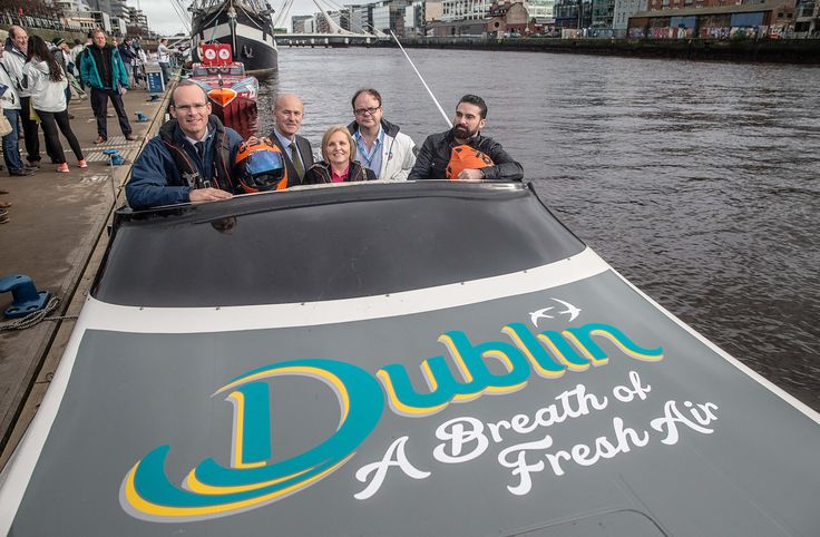 Major of Dublin, Minister Simon Coveney, Ant Middleton and Event Director Aidan Foley in the Dublin City sponsored powerboat | Venture Cup Race