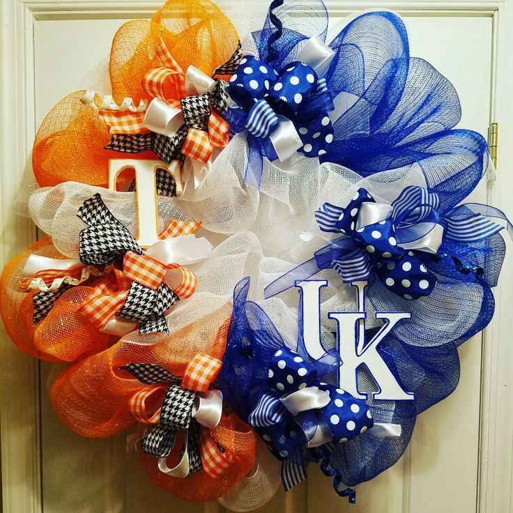 House divided, University of Tennessee, University of Kentucky, sports, basketball, football, baseball, softball, soccer, tennis, track, cross-country, cheer, dance, orange and white, blue and white, Vols, wildcats, mesh wetsuit Wreath