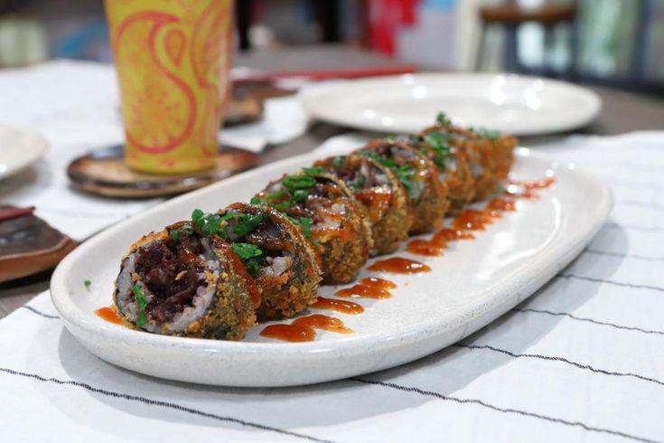 ¡Deliciosa! Prueba esta receta de Lis Ra de Roll Frito de Bulgogui y Morcilla en El Gourmet. Sushi, Japanese Food, Asian Recipes, Sausage, Rolls, Meat, Catering Ideas, Relleno, Carne