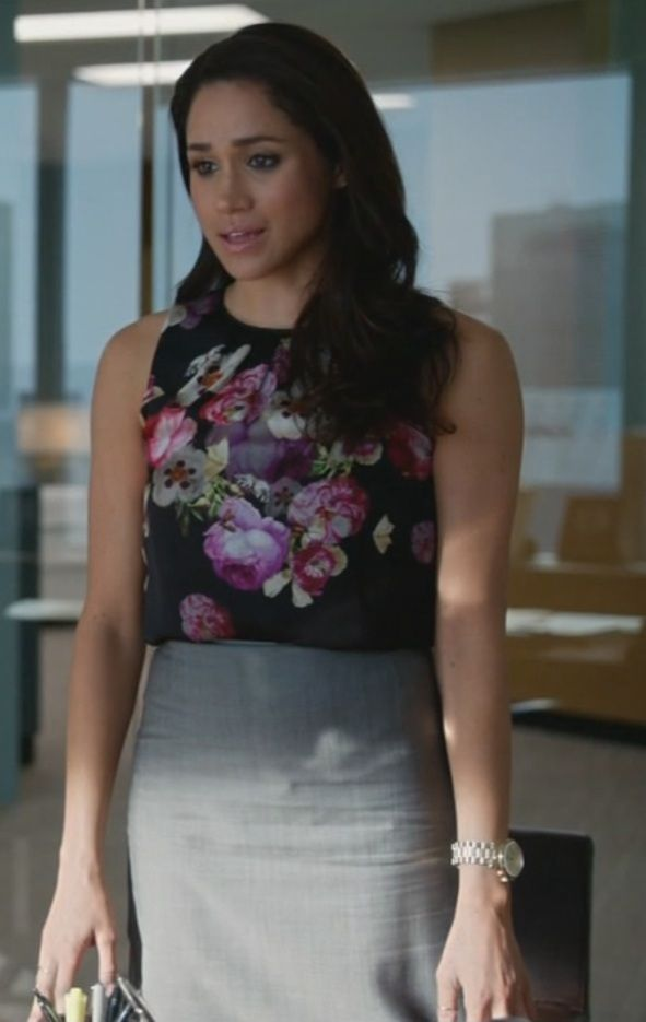 Black floral sleeveless top & grey pencil skirt. Suits, Rachel Zane, outfit