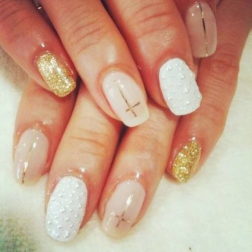 15 Classy Nail Designs I love this one, but definitely without the crosses! - 7 Best Easter Christian Nail Designs Images On Pinterest Cross