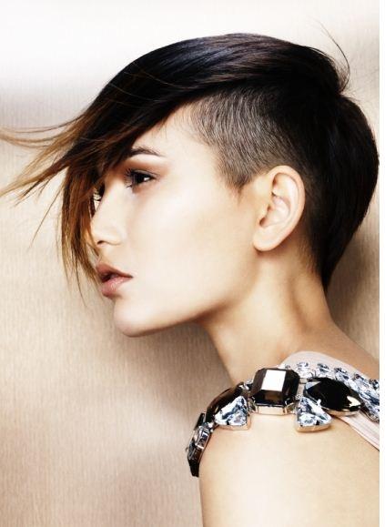taglio capelli rasati da un lato - 40 tagli di capelli rasati le tendenze primavera estate 2016