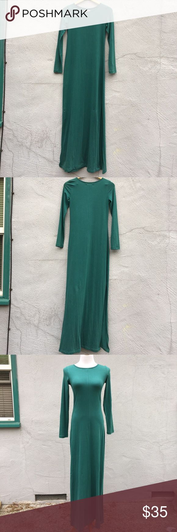 Organic Cotton Teal Maxi Dress Long Sleeved size S Organic Cotton Teal Maxi Dress Long Sleeved size S. 95% cotton/5% Lycra (nice amount of stretch to it!). Very body conscious, with slits on both sides (from about the knee down, depending on height). Gorgeous teal color. Excellent used condition! Thank you for stopping by. Synergy Organic Clothing Dresses Maxi