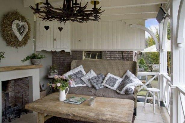 Geweldig, een openhaard op de veranda