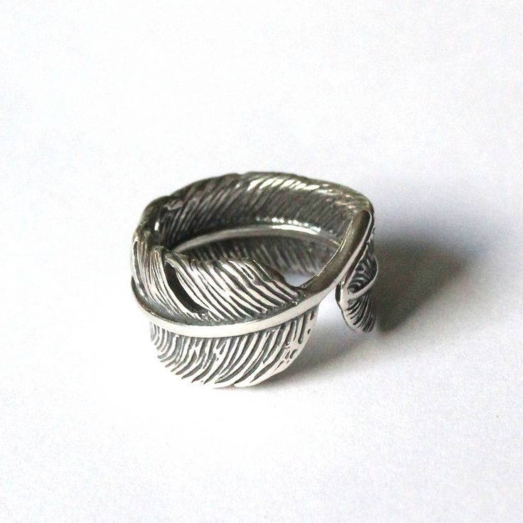 I LOVED this feather ring from the first moment I laid eyes on it. Now it rests comfortably in my ring box