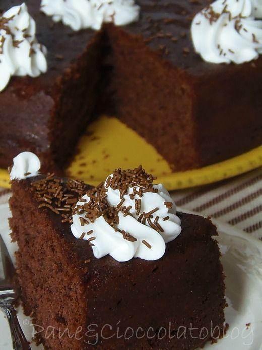 TORTA NUTELLA | Pane&Cioccolatoblog una semplice torta golosa da conservare per una merenda oppure per un delizioso pomeriggio con le amiche torta nutella