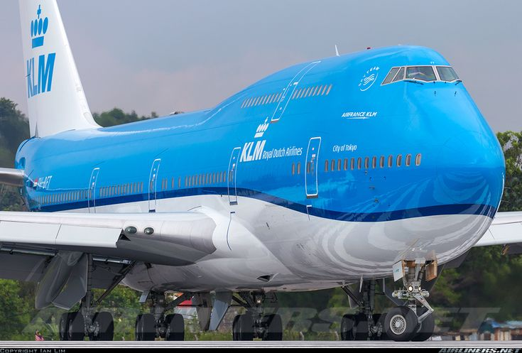 New livery for KLM on this Boeing 747-406M