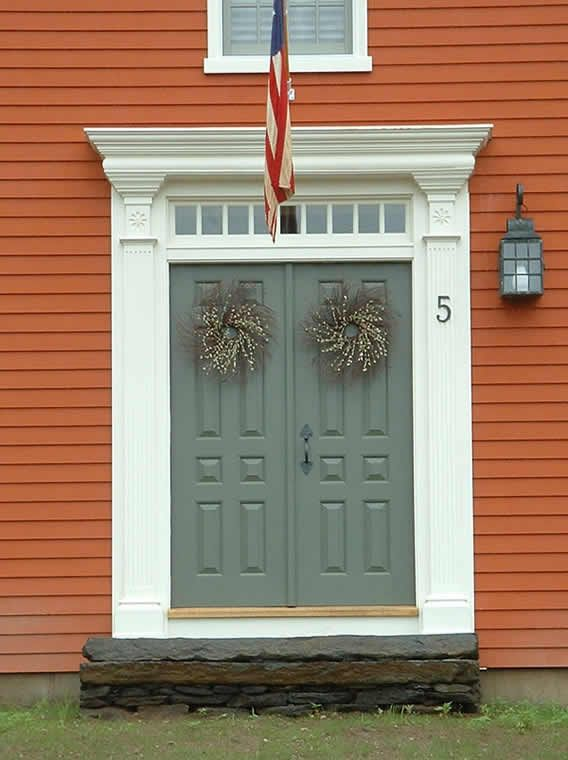 Classic colonial homes colonial style pinterest for Front doors for colonial homes
