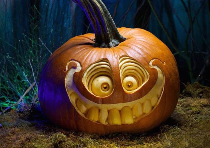 Amazing Halloween Carving Pumpkins  Halloween is the perfect moment to present the incredibly imaginative pumpkins sculpted by Villafane Studio. With a great expertise duo create very detailed and hyperrealistic scary faces. Here is a selection of some evil pumpkins they made.          #xemtvhay