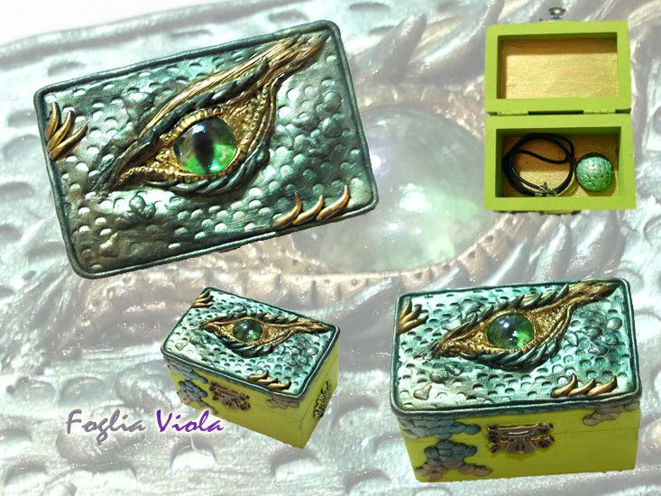 Green Dragon Eye Jewelry box  - handmade with love of fantasy  ! #dragon #drago #polymer #clay #dragonology #key #chiave #box #case #chest #treasure #tesoro #pack #scatola #collection #art #design #unique #ooak #handmade #craftwork #enchanted #magic #fantasy #nest #fogliaviolastyle #necklace #egg #collana #jewelry