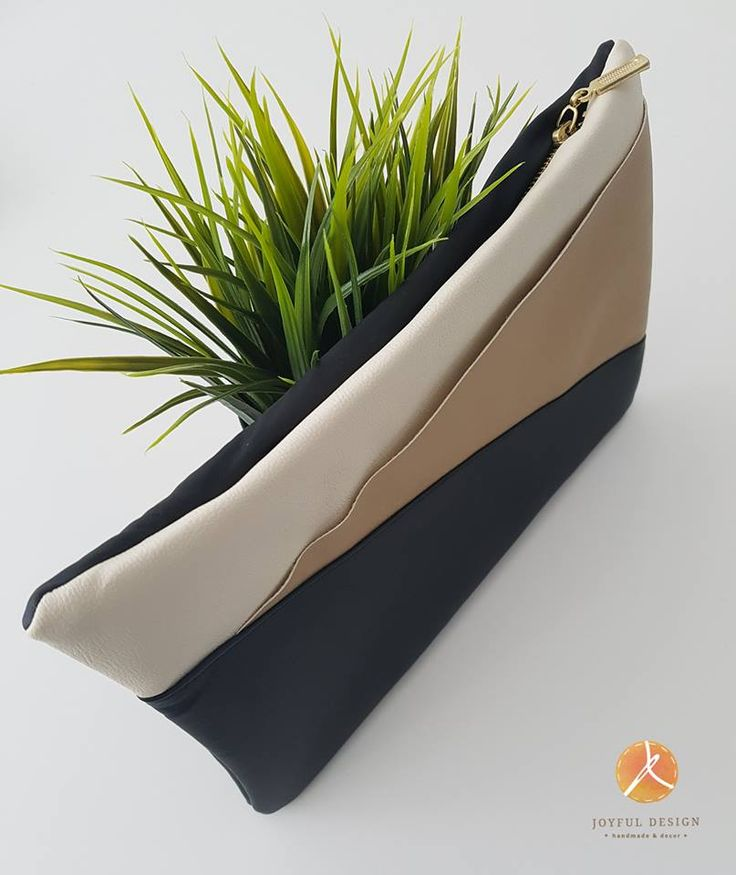 Gold-black-white clutch