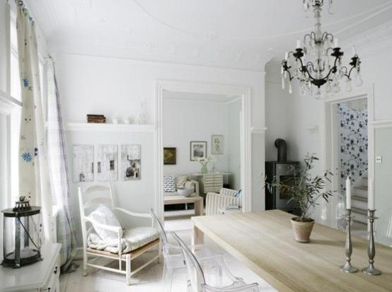 Predominant White House ~ http://qo-home.com/home-design-for-happy-family/
