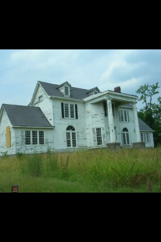 Abandoned home nashville tn renovation ready in my for Franks homes in nashville nc