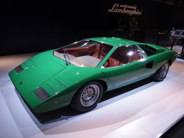 the 31 best images about lamborghini countach on pinterest cars what 39 s the and 25th anniversary. Black Bedroom Furniture Sets. Home Design Ideas