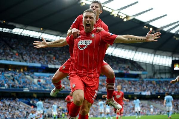 Rickie Lambert celebrating after scoring against Man City away.