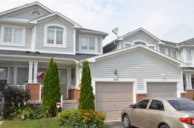 NORTH END OF BOWMANVILLE Beautiful Freehold Townhouse Is Located In Sought After North Bowmanville. Kitchen Has Walk-Out To Fenced Landscaped Backyard. Close To All Amenities. Book Your Showing Today Before The Property Is Sold.