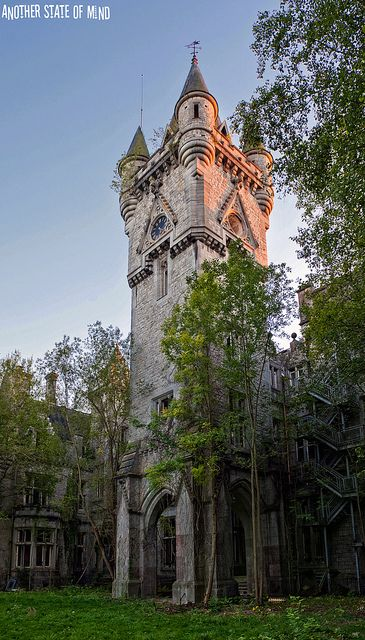 Chateau Noisy (aka Chateau Miranda). An urbex fave, gorgeous interior - sadly falling to bits even more rapidly now. If you are in Europe, go see this before it's gone! Google the name for splendid images by many urbexers.