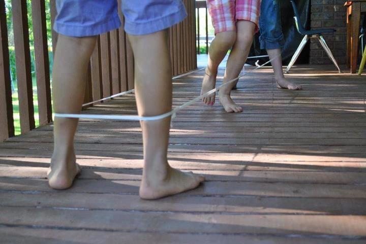 Kada ste zadnji puta vidjeli neko dijete da igra gumi gumi?