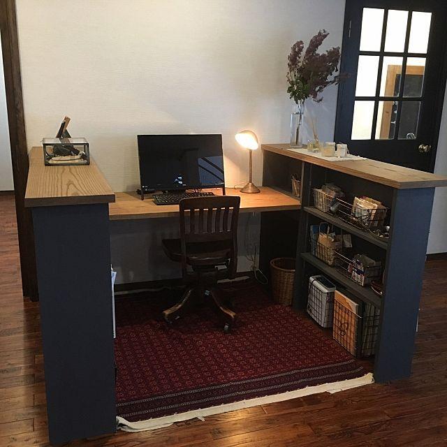 女性で、4LDKのDIY/ニューヨークタイル/アメリカンヴィンテージ/パソコンコーナー/書斎…などについてのインテリア実例を紹介。「スタディーコーナー的な。パソコンコーナー的な。書斎的な。 リビングの一角に設置したよ」(この写真は 2017-06-20 00:23:30 に共有されました)