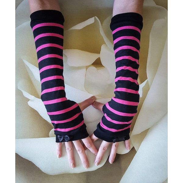 Long Alice in Wonderland Arm Warmers Cheshire Cat Cosplay Steampunk... ($19) ❤ liked on Polyvore featuring accessories, gloves, striped fingerless gloves, steampunk gloves, striped arm warmers, animal gloves and striped gloves