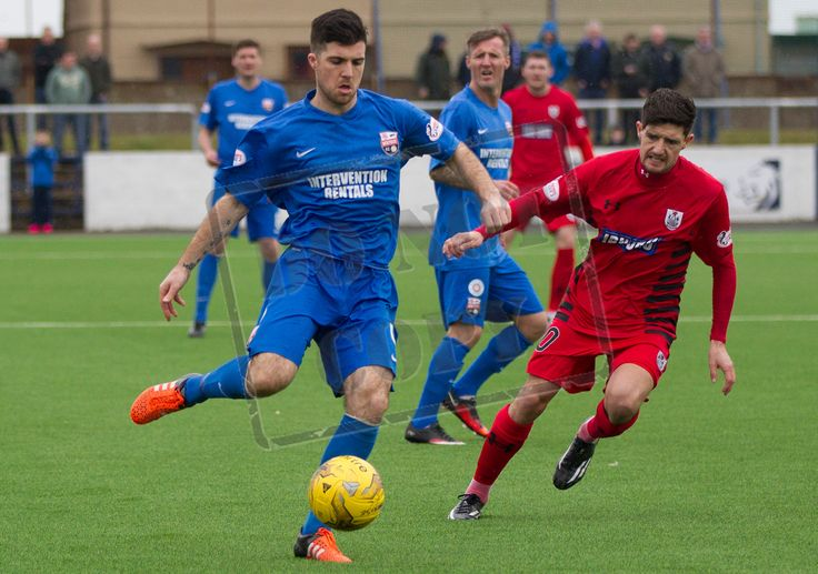 Montrose's Terry Masson on the ball during the SPFL League Two game between Montrose and Queen's Park.
