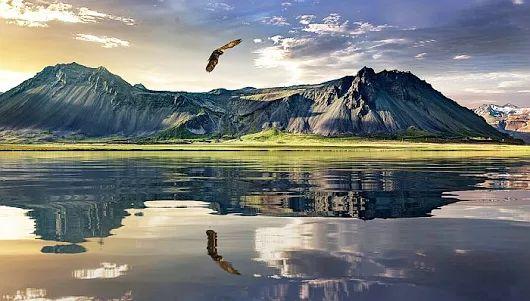 """""""Rugându-ne dimineața, primim harul lui Dumnezeu, puterea, binecuvântarea Lui și pe îngerul nostru păzitor"""""""