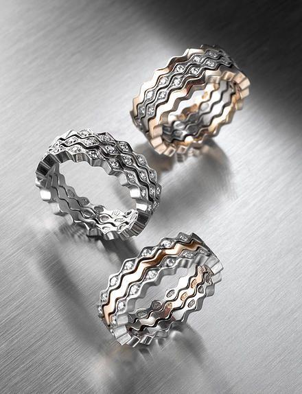 Saarikorpi Design, OneOrTwo wedding rings, 18K white and yellow gold, W/VS diamonds