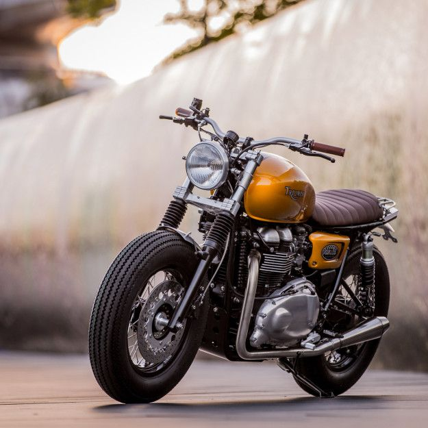 It's Not So Grim Up North: A Triumph Thruxton By Barnsley's Down & Out Café Racers. Via BikeExif.