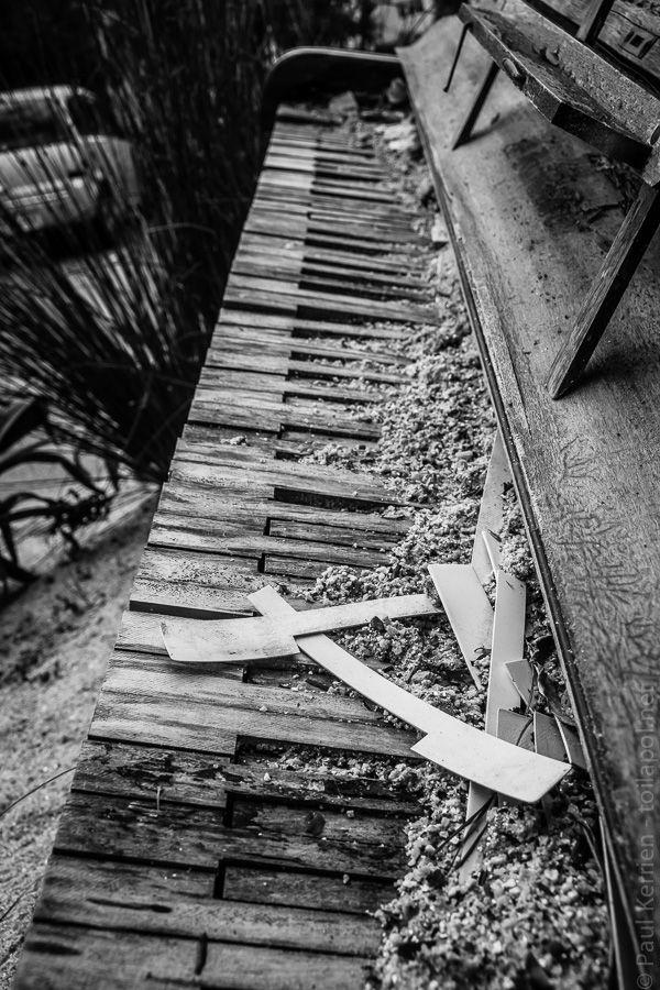 mai 2017 | piano à l'entrée de la mairie-annexe d'Ergué-Armel  - à Quimper  © Paul Kerrien http://toilapol.net Finistère Bretagne