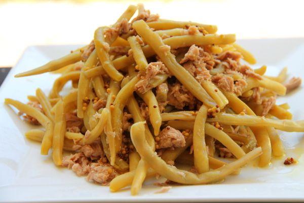 Kuchnia w wersji light: Sałatka z fasolki szparagowej i tuńczyka
