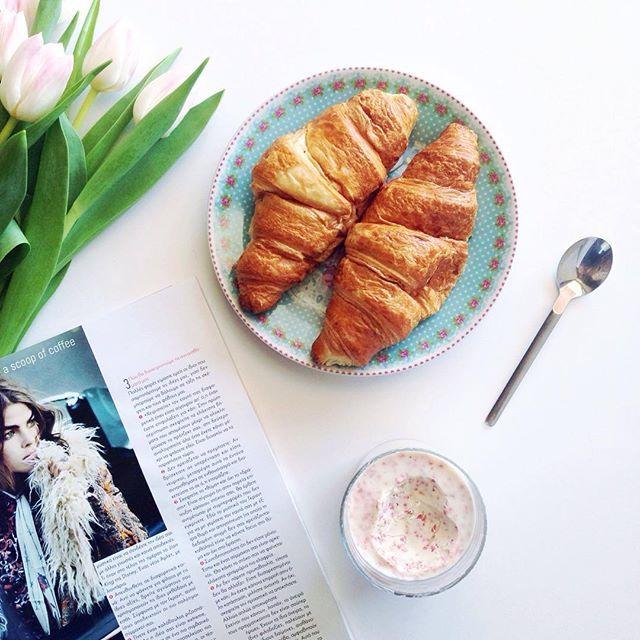 Treat yo' self ➕ ascoopofcoffee.com ➕ #ascoopofcoffee #blogger #lifestyle #lifestyleblog #greekblog #lifestyleblogger #ABMlifeiscolorful #ABMlifeissweet #thatsdarling #thehappynow #pursuepretty #flashesofdelight #petitejoys #DScolor #breakfast #flatlay #croissants