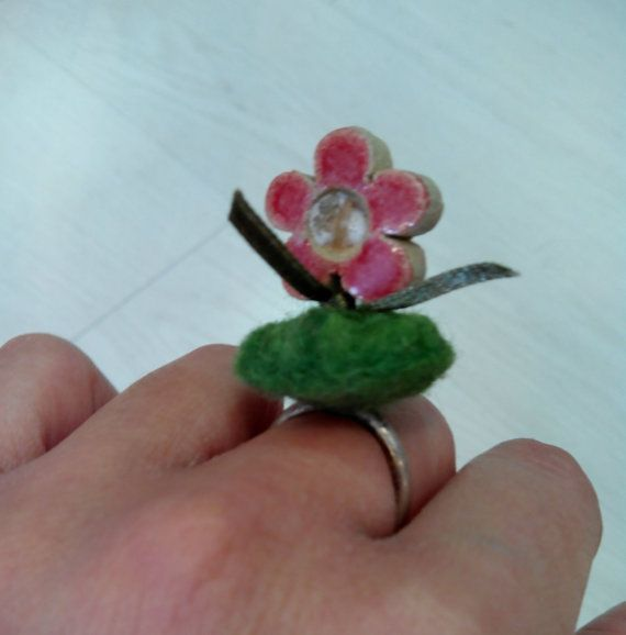 Fine silver ring, one size fits all, felt wool,ceramic flower
