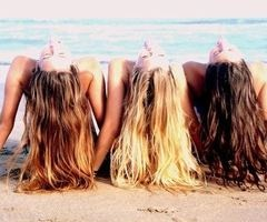 @graciekaleena14 @MadsChessare15   kinda looks like us.. except for the fact im never in the middle.