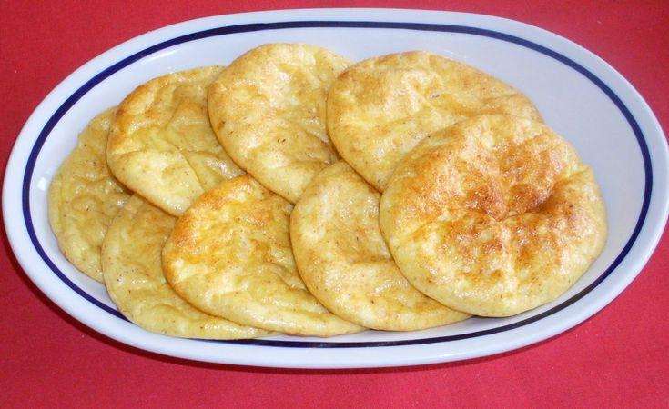 Az interneten javasolta egy kedves hölgy, hogy próbáljuk ki ezt az egyszerű receptet: 115 g túró, 3 tojás, só - ennyi kell hozzá, a tojá...