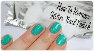 Bagaimana Membersihkan Cat Kuku/Kutek yang berglitter (How to Remove Your Glitter Nail Polish)