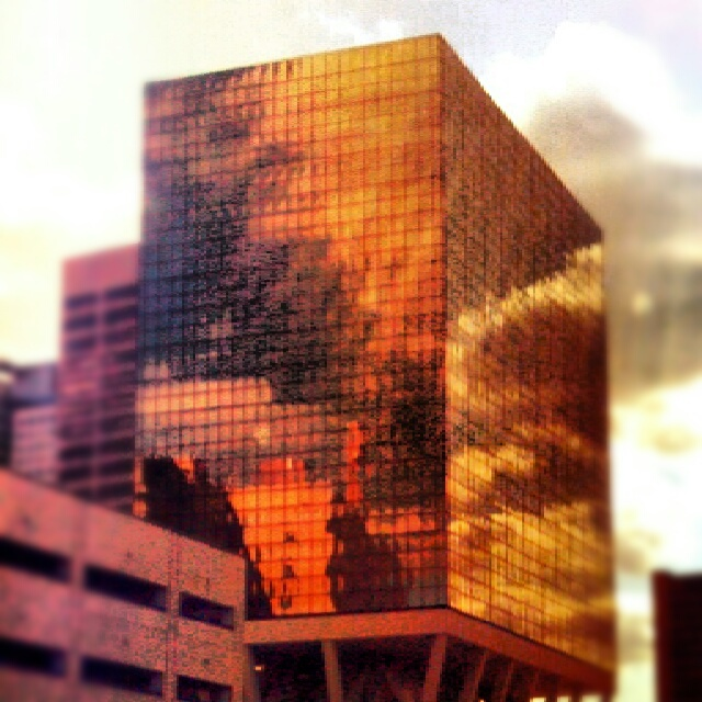 #hartford #clouds #reflection