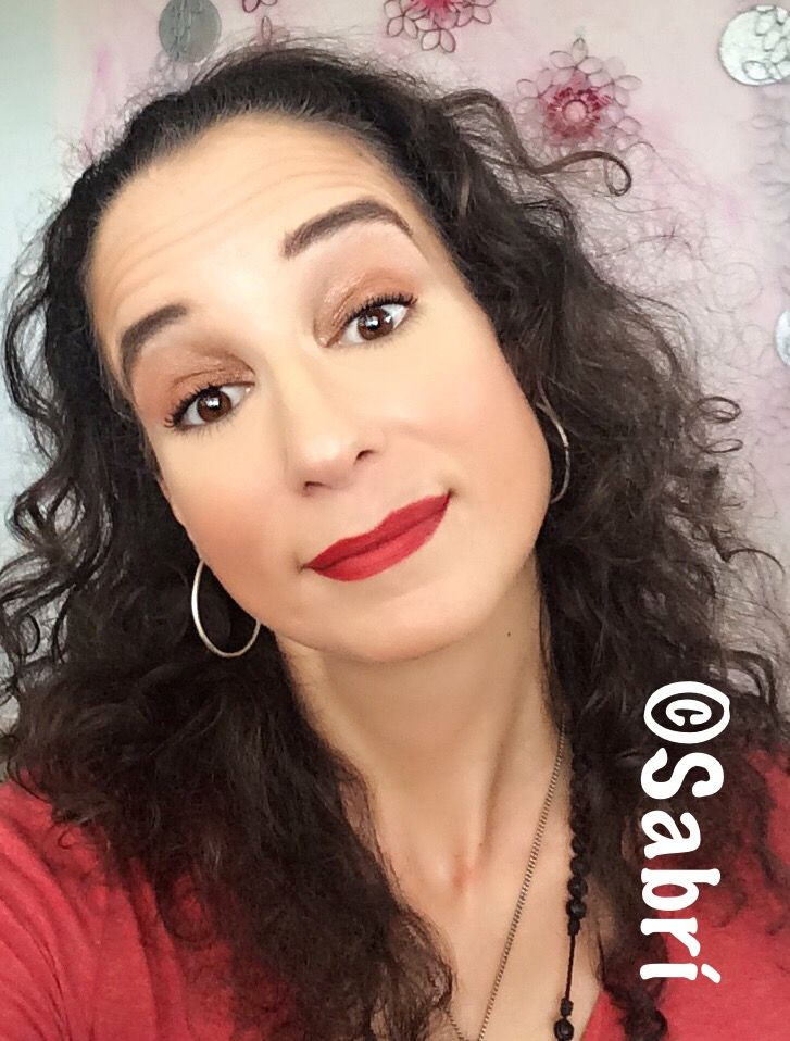 #happylipstickfriday! My go-to #classic look: #nudeeyes and #redlips! Featuring #milani #lipstick in #matteiconic and #santee #eyeshadow #glameyes0406. #Beauty #Belleza #Bellezza #Beauté #Beleza #Cosmetics #Cosméticos #Cosmetici #produitsdebeaute #Makeup #Maquillaje #maquillage #maquiagem #fabat40.