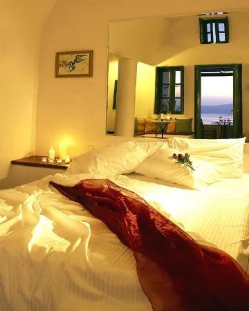 Dana Villas, Santorini (guest room)