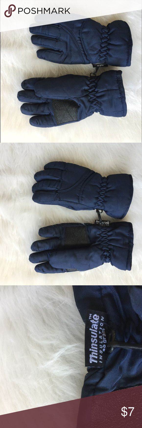 Thinsulate Boys 6/7 Snow gloves Mittens blue In great condition! Thinsulate gloves, 40 gram Accessories Mittens