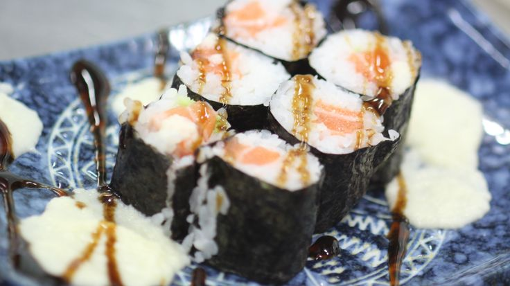 Salmon mini roll