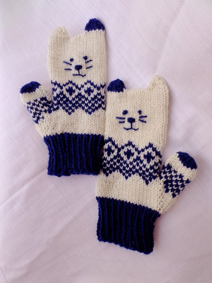 Free knitting pattern for Norwegian Kitten Mittens