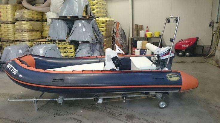 Schlauchboot  mit Motor 15 Ps