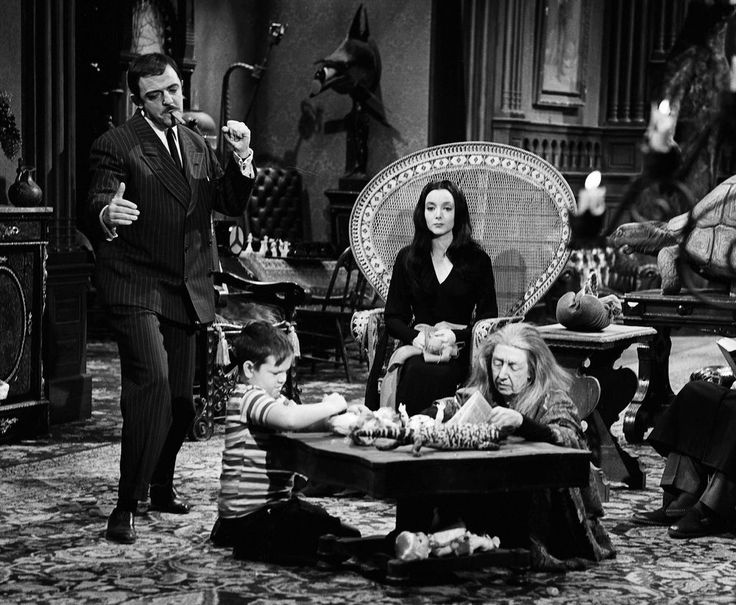 THE ADDAMS FAMILY - TV SHOW PHOTO #X39