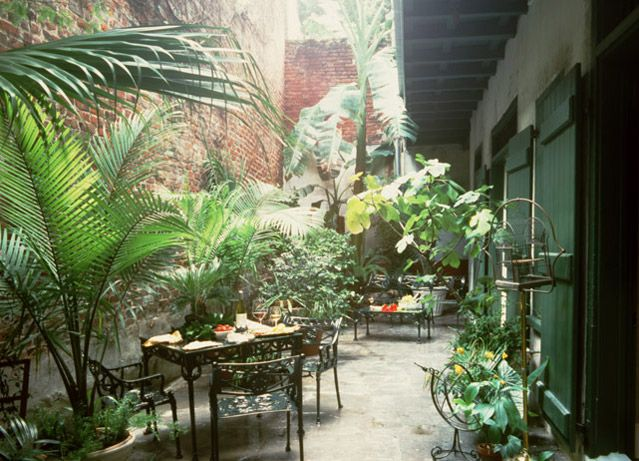 Fabulous courtyard governor nichols st new orleans for French courtyard garden ideas