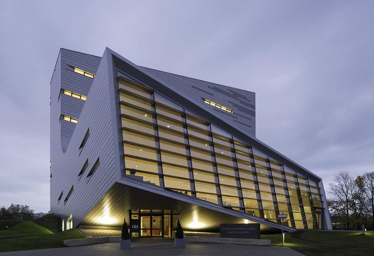 Casa Sankt Augustin / Graft   ArchDaily Brasil