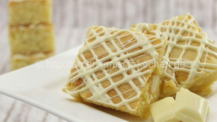 Rezept: Schoko-Woche #4: Blondies (Brownies aus weißer Schokolade) Weiter geht's mit Tag 4 unserer Schokowoche =) Wenn Ihr Brownies mögt, solltet Ihr auch mal die helle Variante- die Blondies- testen. Sie schmecken einfach nur lecker! Zutaten: 180g Butter (Muffin Schokolade)