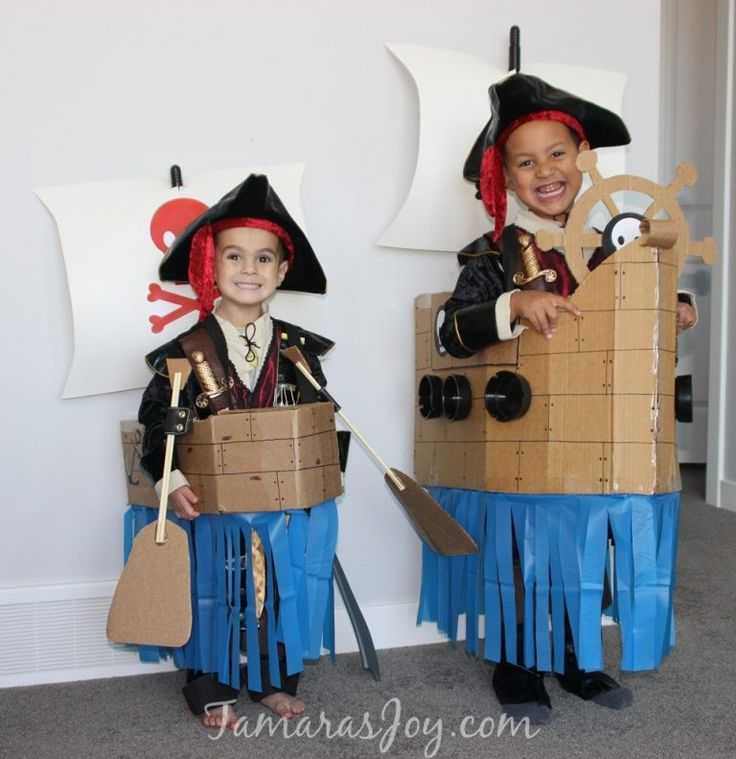 Easy Kids Pirate Costume, Made from Cardboard